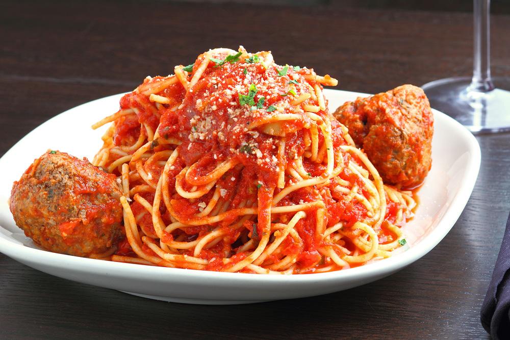 Spaghetti & homemade Meatballs