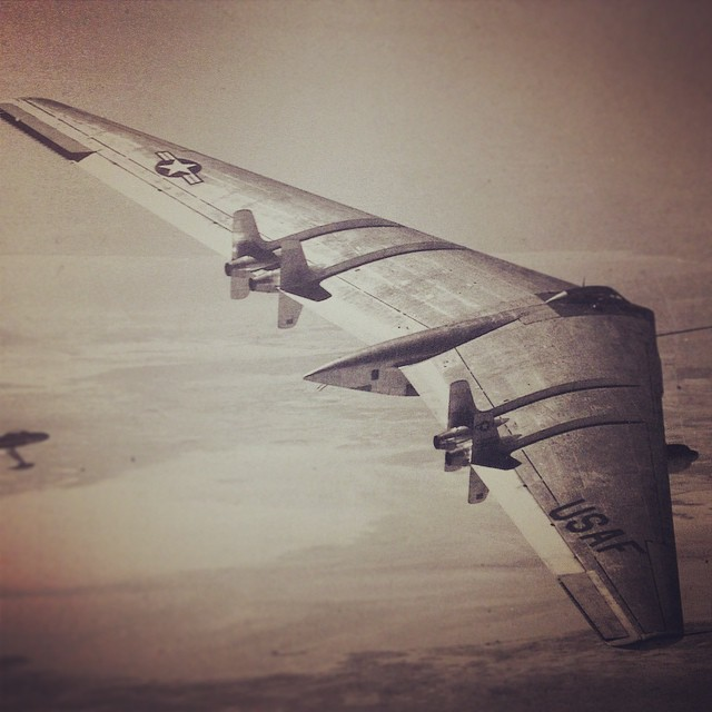 Spending some time with Jack Northrop's FlyingWings. It's to bad all of these were scraped… Would love to see one in person! (from A History of Jack Northrop's Visionary Aircraft) #airplane #art #metal