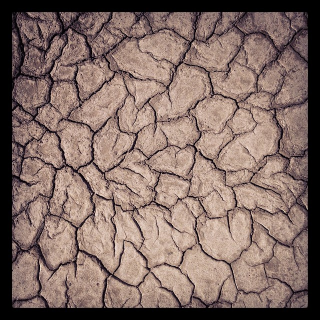 desert Design lab has found out most amazing textures yet… of salt and mud made with time, water and sun! #art  #desert  #design #desertdesignlab #furnituredesign #bonaville