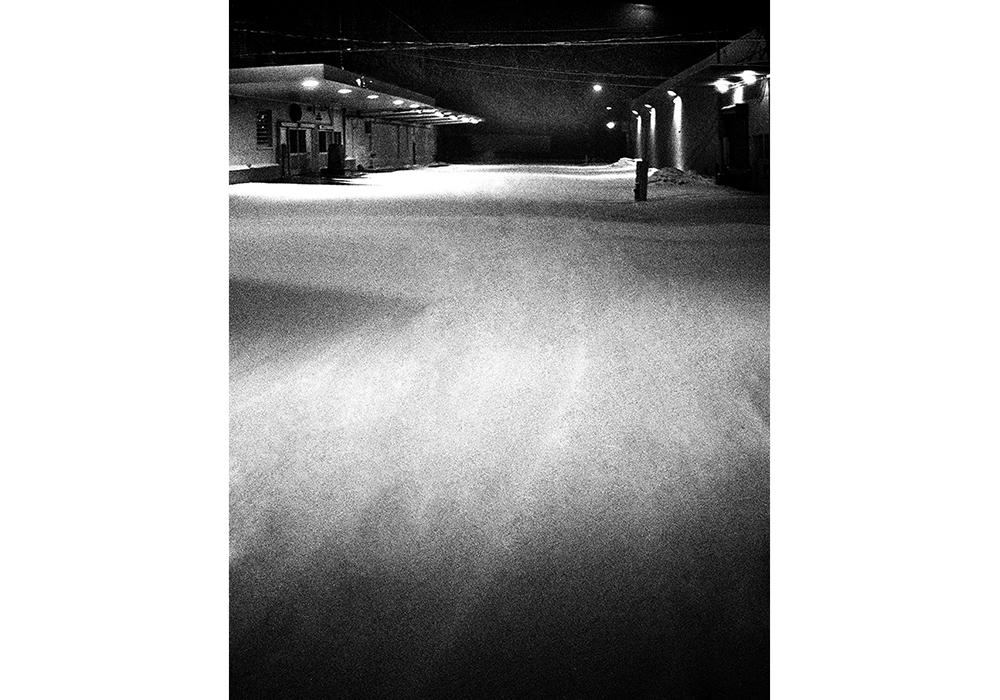 Stray-SnowStreet04 copy.jpg