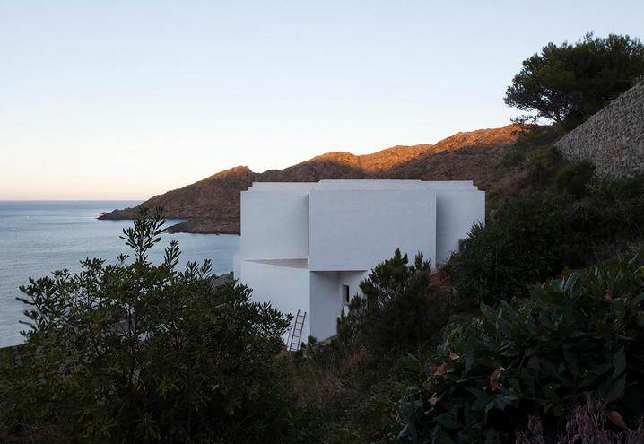 weekend-house-in-spain-exteriors_oggetto_editoriale_h495.jpg