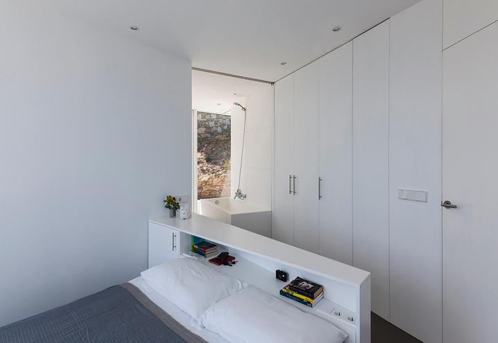weekend-house-in-spain-sleeping-area_oggetto_editoriale_h495.jpg