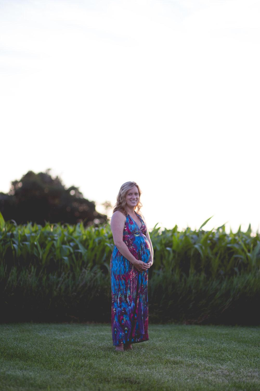 Becca,Maternity(5of14).JPG