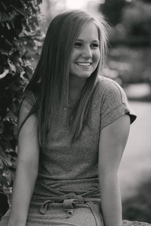 Hannah,Senior-56.jpg