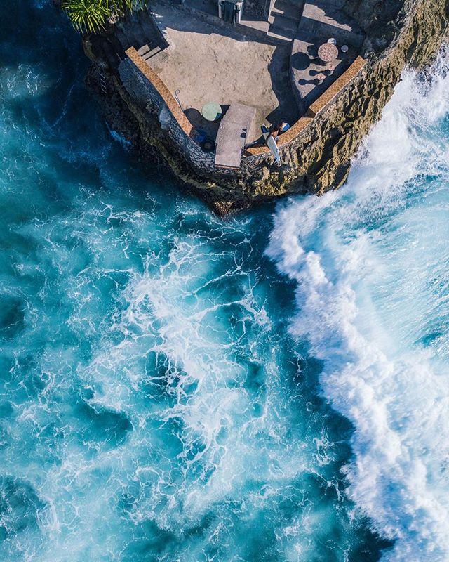Wave scout . . . #twinfin #surfing #surfingphotography #surfers #surf #deusexmachina #canggu #surfermagazine #picoftheday #barrel #mysurfgirllife #morningsurf #surfinglife #islandlife #balilivin #longboard #tropical #goldenhour #surfphotography #surfphoto #immersionsurfmag #bali #surfgirlgang #magicseaweed #exploretheworld #explorebali #traveling #bigwave #longboard #singlefin