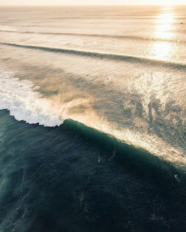 Sunset lines . . . #twinfin #surfing #surfingphotography #surfers #surf #deusexmachina #canggu #surfermagazine #picoftheday #barrel #mysurfgirllife #morningsurf #surfinglife #islandlife #balilivin #longboard #tropical #goldenhour #surfphotography #surfphoto #immersionsurfmag #bali #surfgirlgang #magicseaweed #exploretheworld #explorebali #traveling #bigwave #longboard #singlefin