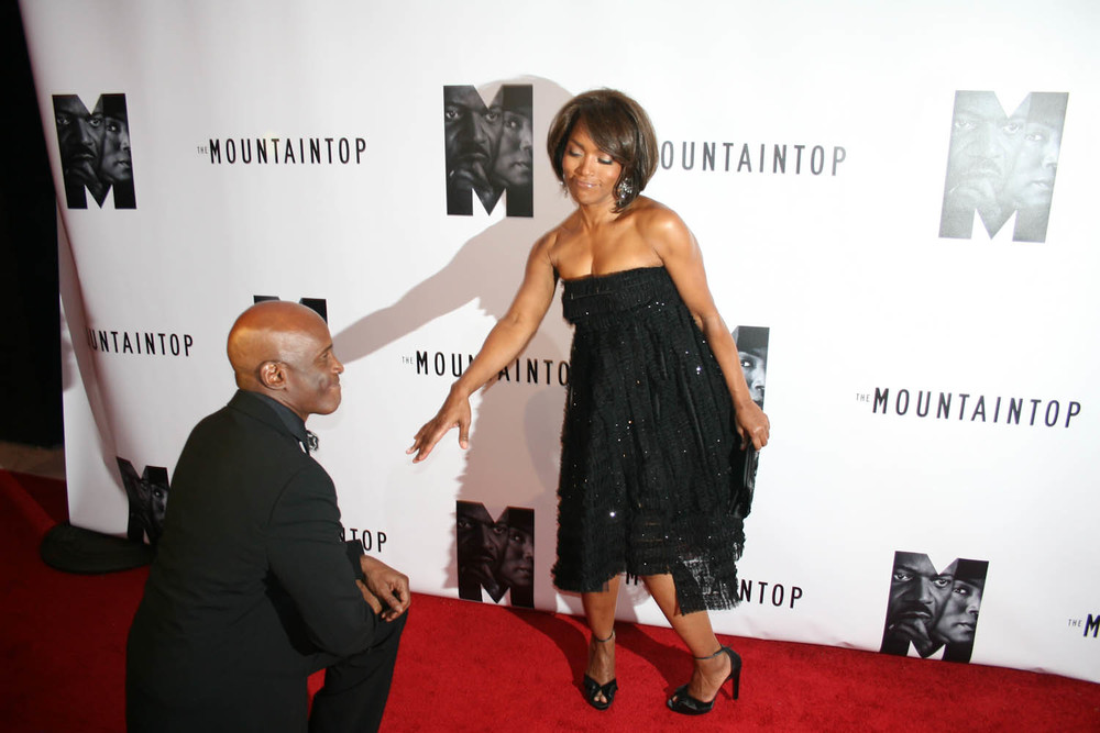 Kenny-Leon-and-Angela-Bassett.jpg