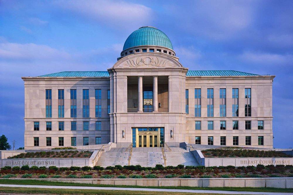 Projects_1500_Iowa-Court_04.jpg
