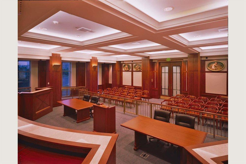 Projects_1500_Iowa-Court_07.jpg
