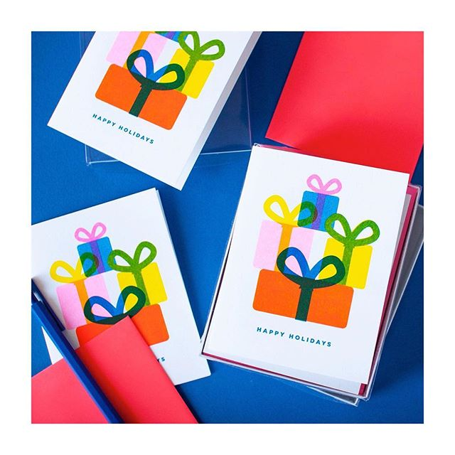 It's only the beginning of November and the busy-ness is for real! . . . #riso #risoart #risocards #risograph #risoprint #slyeye #slyeyeca #slyeyecards #greetingcard #greetingcards #holidaycards #happyholidays #festivetime #becheerful #presents #gifts #giving #illustrationoftheday #videpress #madeincanada #madeintoronto