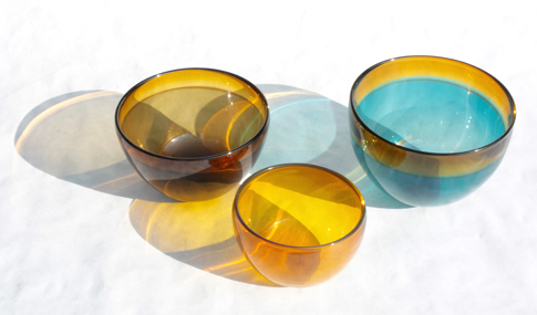 Ed Colberg. Bowls, 2015, Blown glass. Image courtesy of the artist.