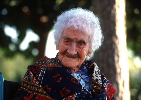 The longest lived person on record, Jeanne Calment, died aged 122. She smoked.