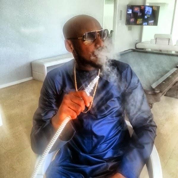 2Face-Smoking-January-2014-BellaNaija