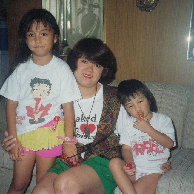 Stephanie (R), Her mother, Eileen and sister, Tasha. Photo courtesy of Stephanie Camba's Facebook page
