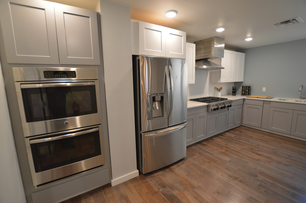 Do you love to cook? A large shared chef's style kitchen is available with 6-burner cooktop and dual ovens.