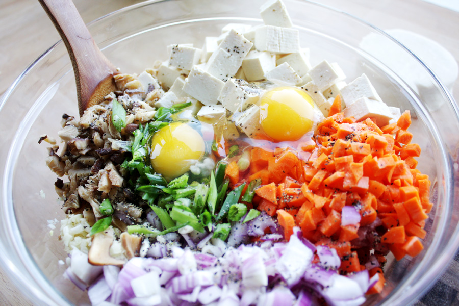 Mix the vegetables with the pork and beef and add the two eggs and salt and pepper.
