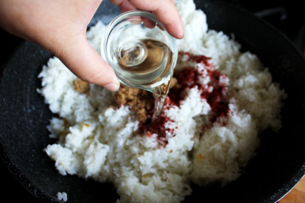 Drizzle in the rice wine vinegar.