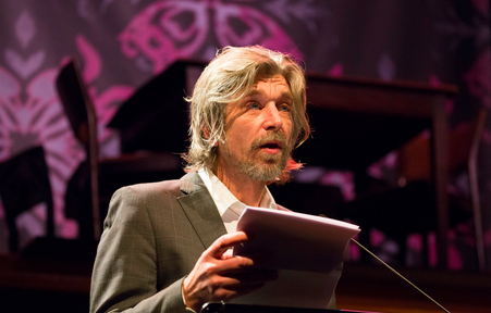 Karl Ove Knausgård delivers his Free the Word! keynote address at the 14th Oxfam Novib/PEN Awards during Writers Unlimited – winternachten festival den haag. Courtesy: PEN International.
