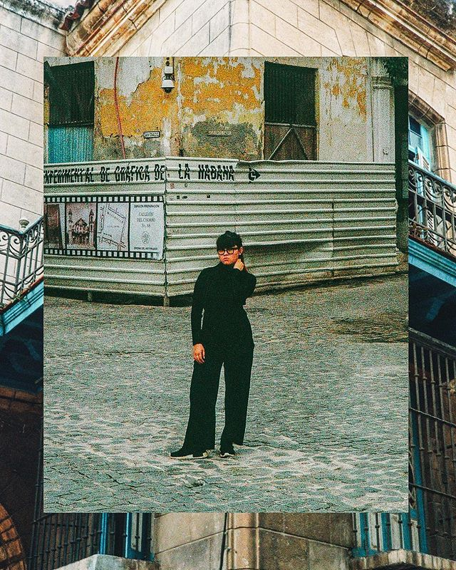 Back in 2018 with 🇨🇺 #havana bae. Strolling down La Habana Vieja. Just her and a 35mm.