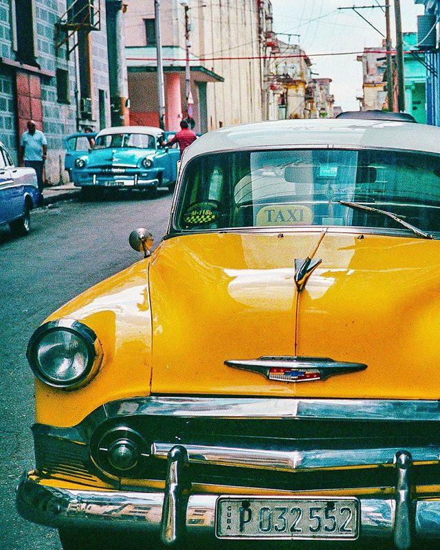 Almendrón en Habana 🇨🇺 (01/03)