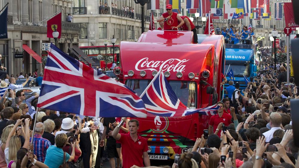 HEART design coca cola olympics 2012 truck