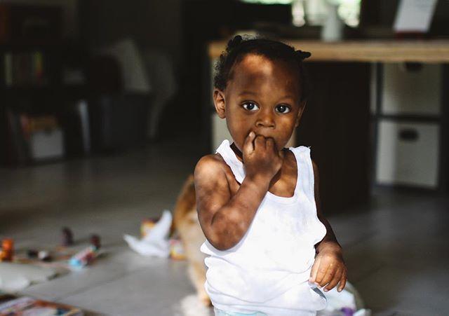 My nephew in magical light. ✨ • • • • • • #simplychildren #soulfocusinspired #subjectlight #ig_kids #childofig #childhoodunplugged #pixel_kids #letthekids #thesugarjar #our_everyday_moments #kidsforreal #documentyourdays #pocfeatures #let_there_be_delight #magicofchildhood #themindfulapproach #thesincerestoryteller #loveourbigkids #inbeautyandchaos #dearestviewfinder #candidchildhood #momtogs #uniteinmotherhood #huffpostgram #mochakid