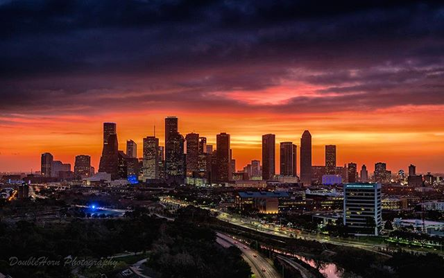 Good Morning #Houston, nice #sunrise you've got there! #morning #htown #houstontx #htowntx #instahouston skyline #cityscape #photography #a7rii