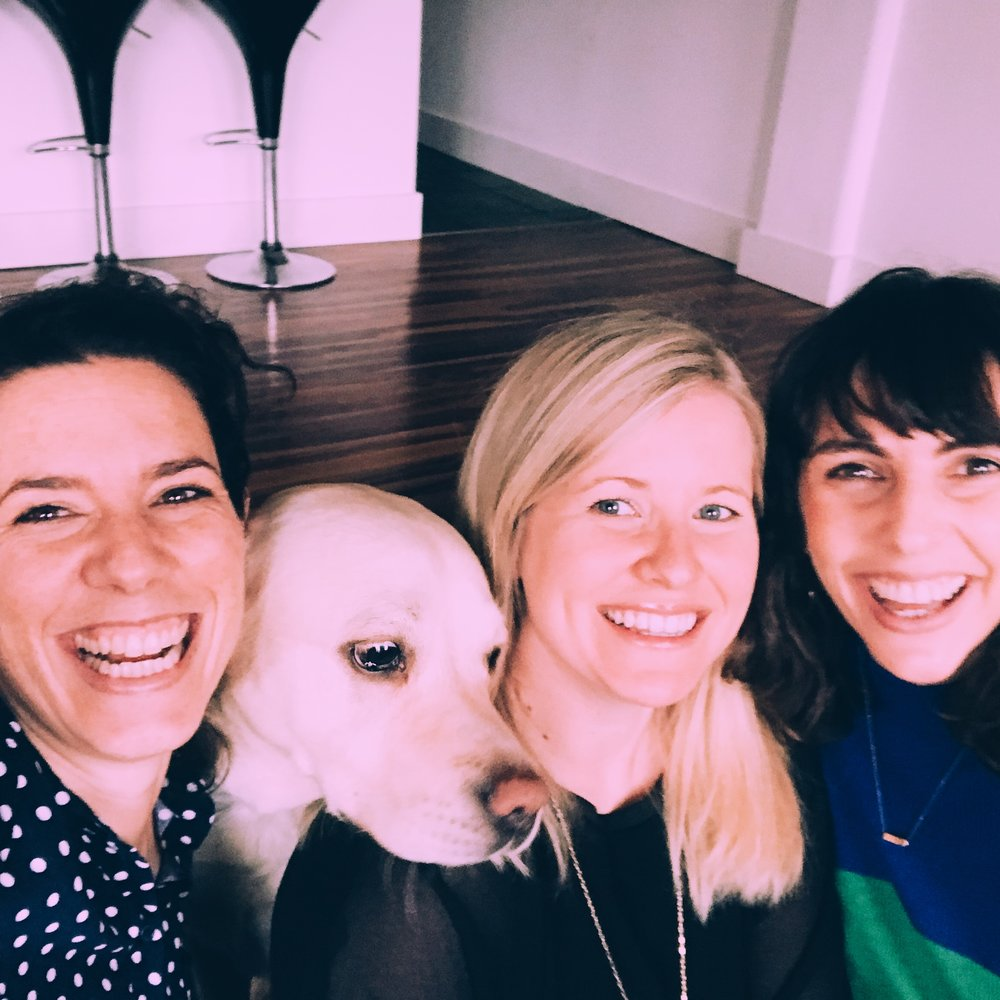 Selina-Vicki-Susanna-Happyologist-and-the-dog.JPG