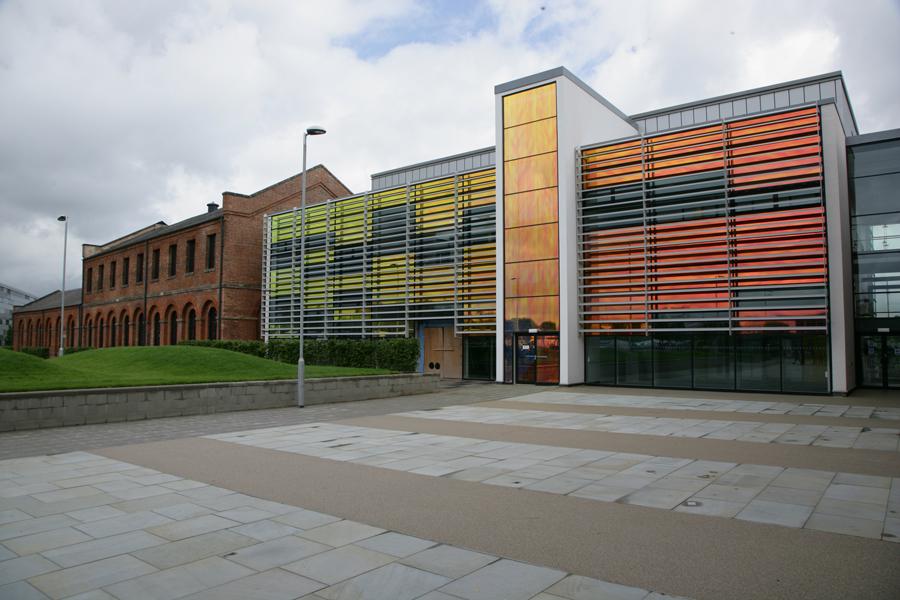 Derby-College-aussen2.jpg