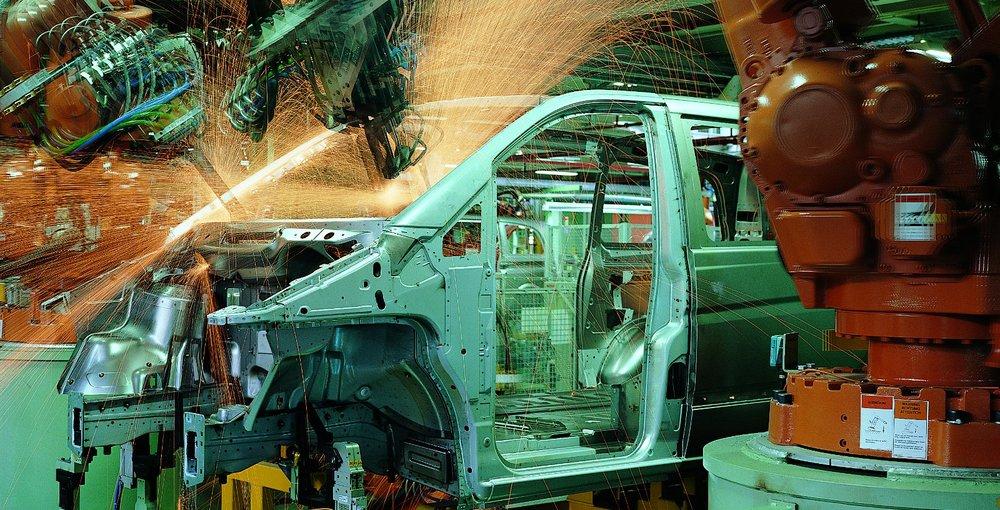 MERCEDES_BENZ_EPCM_Automobile_manufacturing_plantas_05_Idom.jpg