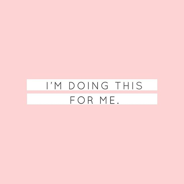 Here's to the girls who wake up with purpose + intent. To the girls who show up and never give up. Girls who believe anything is possible and are  willing to work for it. Make a decicion to be that girl 💗