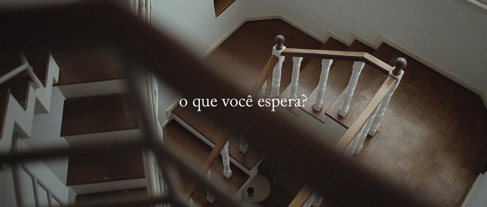 o-que-voce-espera-ricardo-franzen-lovefreedommadness-documentario-brasileiro-brasil-curitiba-ruas-todo-mundo-espera-alguma-coisa-aeroporto-avioes-aviao-decolagem-centro-museu-producao-de-filmes-curitiba-1.jpg