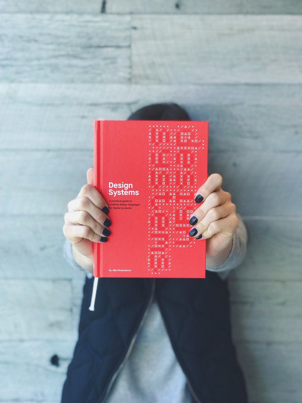 "Smashing Magazine's ""Design Systems"" book by Alla Kholmatova"