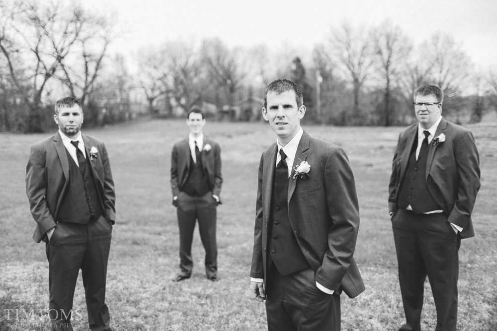 Groom Groomsmen Pose