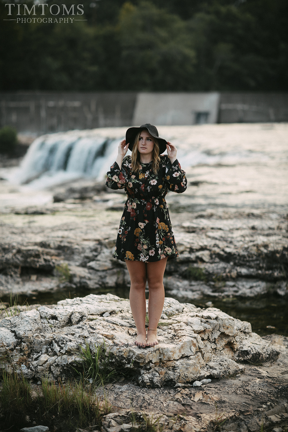 senior picture photographer joplin missouri the falls grand falls floral dress