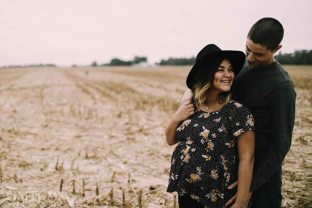 MATERNITY PHOTO SHOOT PHOTOGRAPHER