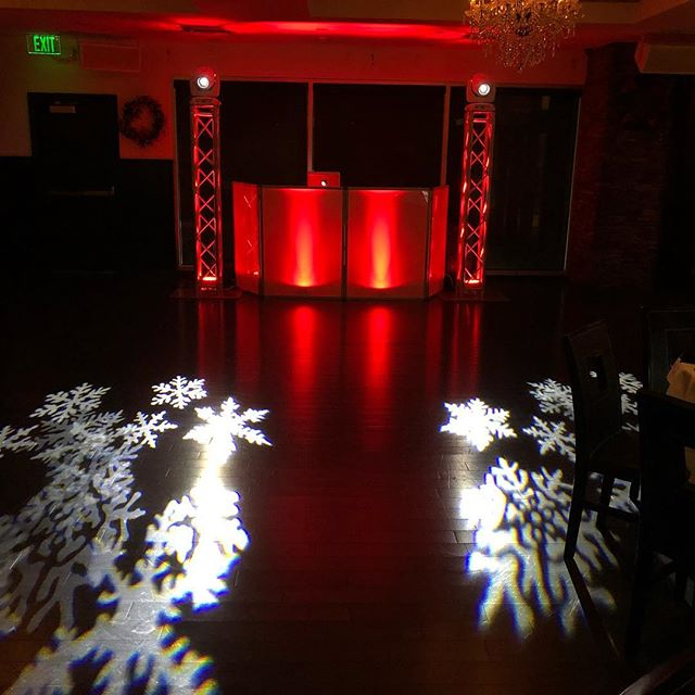 Holiday party season is here #sprainbrookmanor #upscalesound #holidayparty