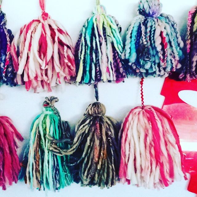 Making tassels with my cool tassel gadget. #redllamastudio #holiday2016 #custommodernchristmasstockings