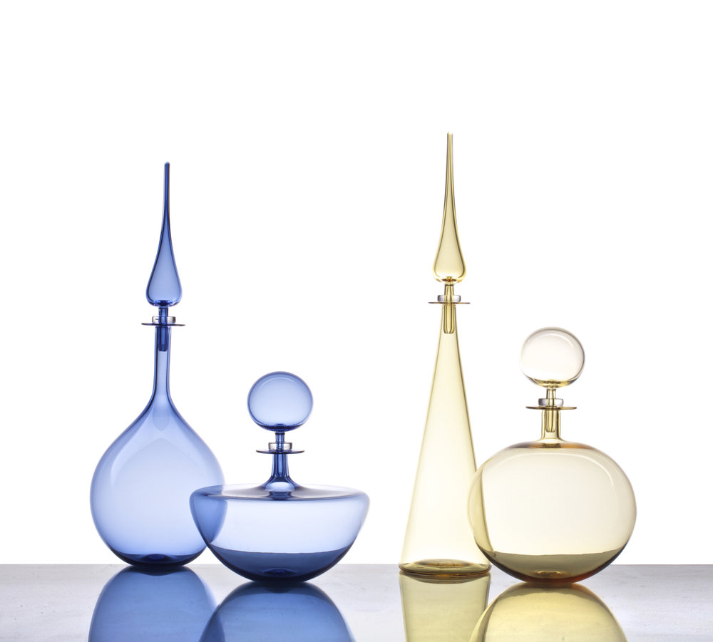 PETITE DECANTER TEAR DROP & LOW ARC IN ICE BLUE, PETITE DECANTER STRAIGHT CONE & LOW ROUND IN WHISKEY