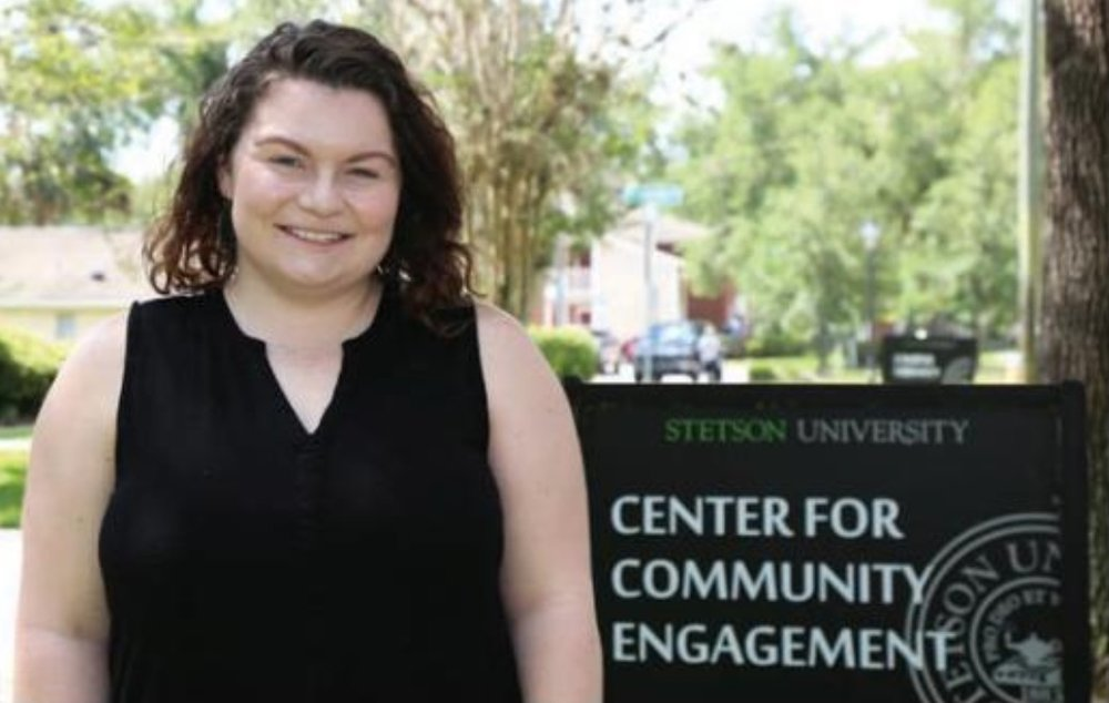 Amber Finnicum-Simmons '16, community impact coordinator at Stetson's Center for Community Engagement