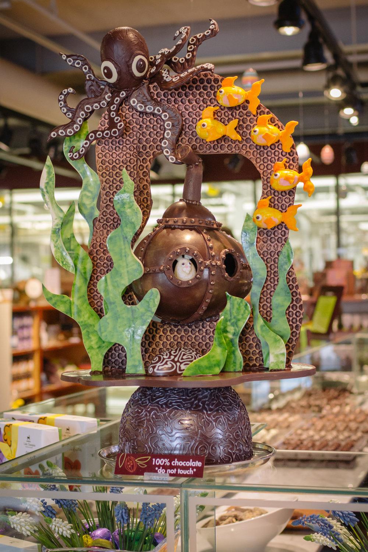 underwaterchocolatesculpture