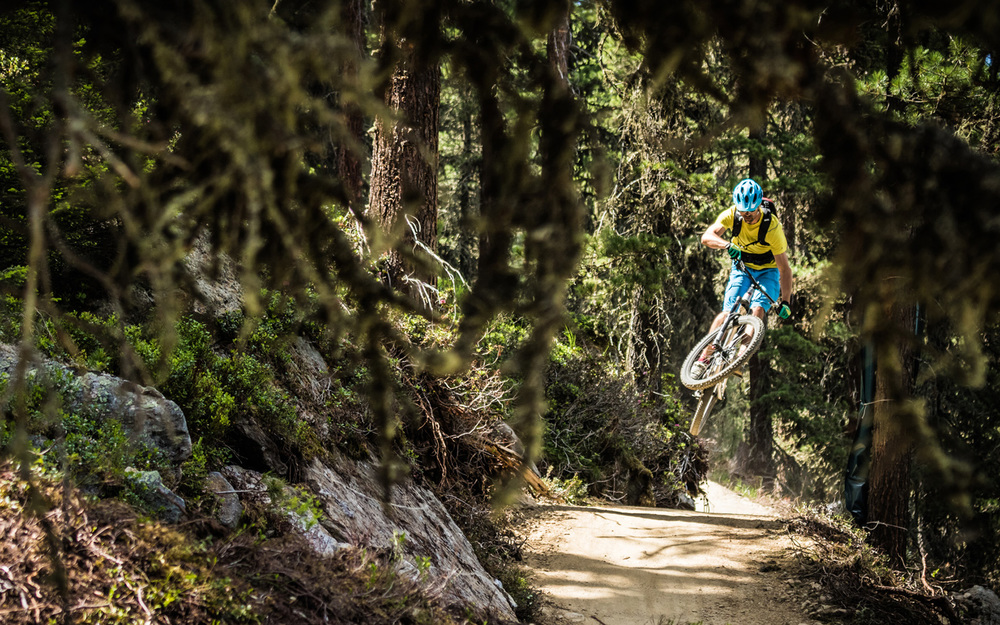 photo Tom Bause   |   rider Simon Sirch