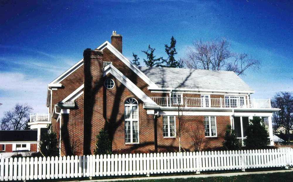 1988 U of F Presidents Home Addition.jpg