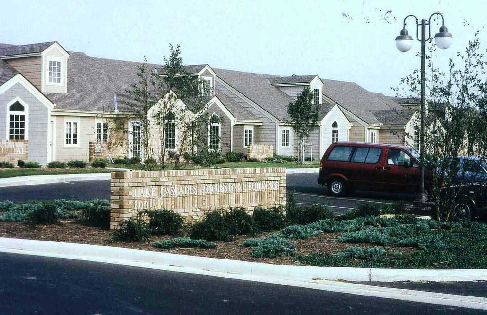 1991 Lake Cascades Doctors Offices.jpg