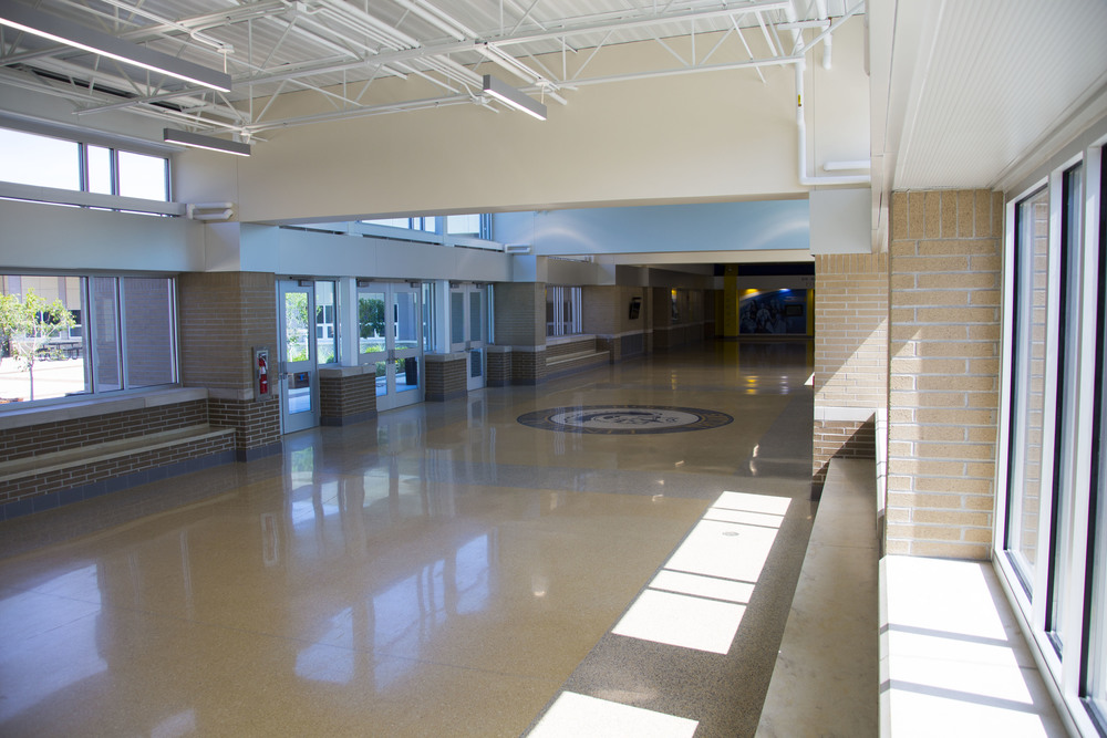 www.rcmarchitects.com - findlay city schools - high school front entry (4)