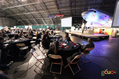 Le GCUC avait lieu dans le musée de l'histoire de l'aviation de Kansas City. Nous étions au milieu d'un magnifique DC3 et d'autres raretés d'époque