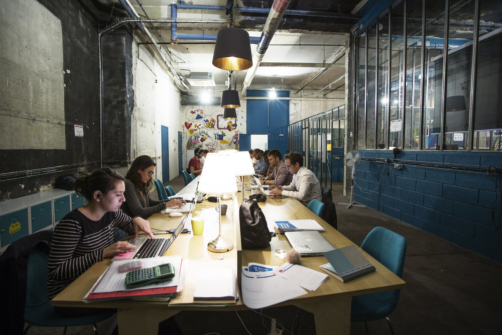 Travail collaboratif - tiers lieux - coworking