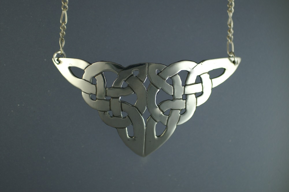 "#5001. Double Trinity.  $ 165.  Traditional Celtic 1""x 1.75"""
