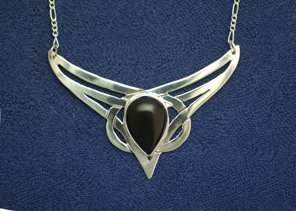 #5002. Celtic Nouveau.  $195. Black Onyx