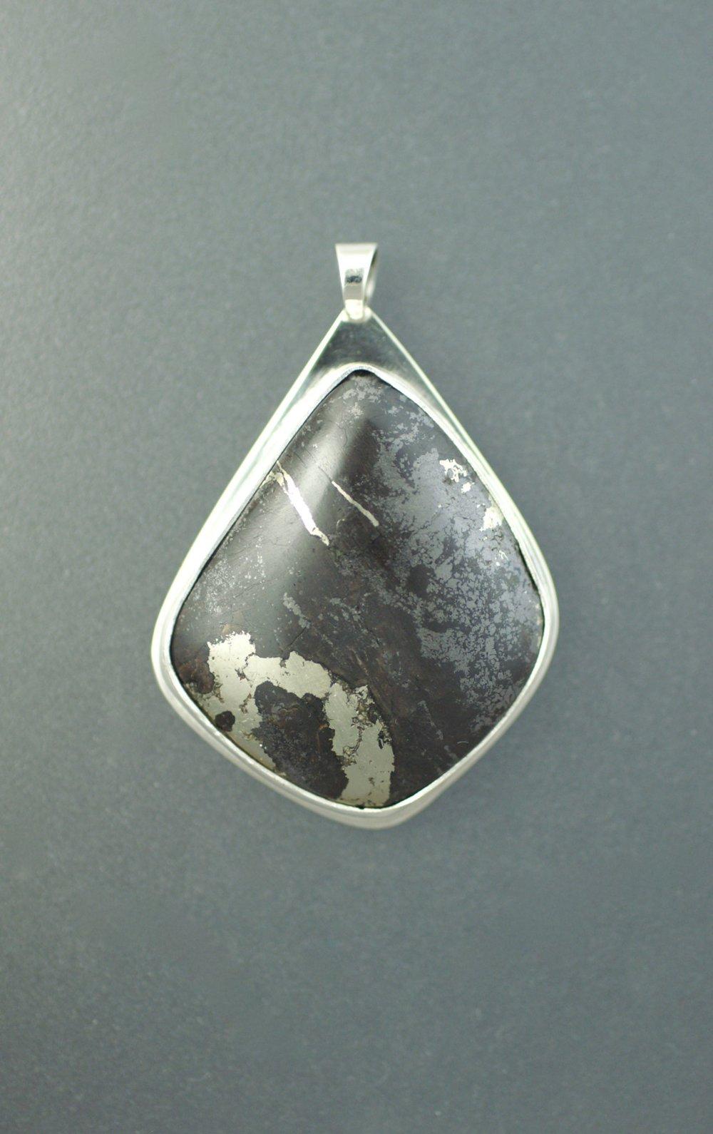 pyrite:hematite3.jpg